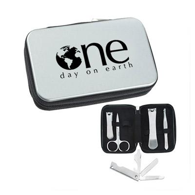 Modern Zippered Manicure Set